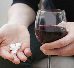 10 жизненно опасных последствий приёма Анаприлина вместе с алкоголем