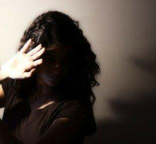 Почему возникает боязнь яркого света и как ее лечить