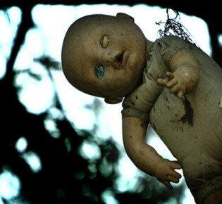 Ошибки родителей формируют фобии кукол у детей